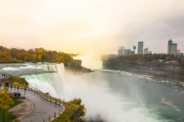 american-side-of-niagara-falls-during-sunrise_1232-4285